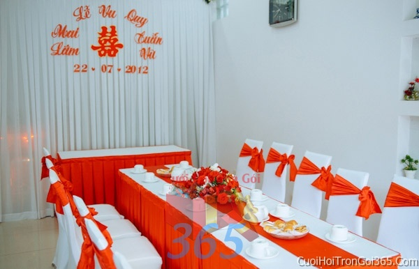 Trang trí nhà cưới hỏi tông màu cam cho ngày lễ đính hôn, ăn hỏi gia tiên, đám cưới TTNCH01 : Mẫu cưới hỏi trọn gói 365 của công ty dịch vụ trang trí nhà tiệc cưới hỏi đẹp rẻ uy tín ở tại quận Tân Phú Sài Gòn TPHCM Gò Vấp