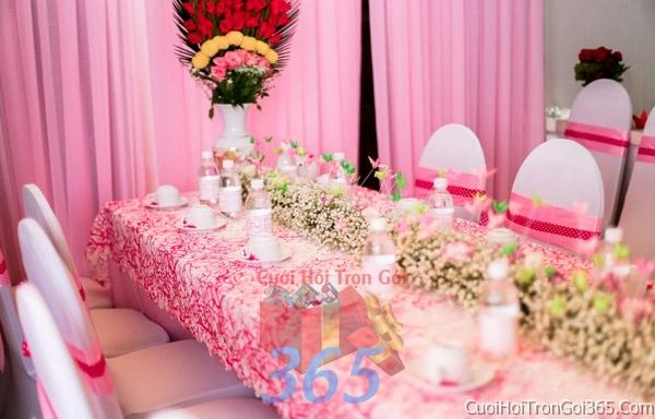 Trang trí nhà cưới hỏi tông màu cho ngày lễ đính hôn, ăn hỏi gia tiên, đám cưới TTNCH04 : Mẫu cưới hỏi trọn gói 365 của công ty dịch vụ trang trí nhà tiệc cưới hỏi đẹp rẻ uy tín ở tại quận Tân Phú Sài Gòn TPHCM Gò Vấp