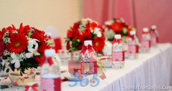 Trang trí nhà cưới hỏi tông màu cho ngày lễ đính hôn, ăn hỏi gia tiên, đám cưới TTNCH06 : Mẫu cưới hỏi trọn gói 365 của công ty dịch vụ trang trí nhà tiệc cưới hỏi đẹp rẻ uy tín ở tại quận Tân Phú Sài Gòn TPHCM Gò Vấp