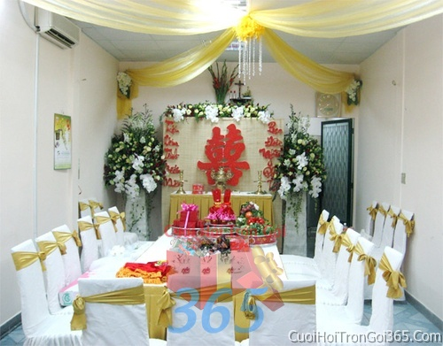 Trang trí nhà cưới hỏi tông màu vàng cho ngày lễ đính hôn, ăn hỏi gia tiên, đám cưới TTNCH35 : Mẫu cưới hỏi trọn gói 365 của công ty dịch vụ trang trí nhà tiệc cưới hỏi đẹp rẻ uy tín ở tại quận Tân Phú Sài Gòn TPHCM Gò Vấp