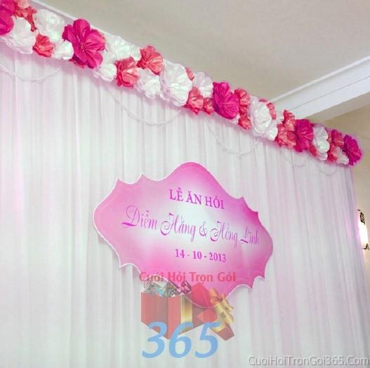 Trang trí phông cưới ăn hỏi đỏ hồng đa sắc với các bông hoa giấy bóng đẹp với hoa giấy kếtPC12 : Mẫu cưới hỏi trọn gói 365 của công ty dịch vụ trang trí nhà tiệc cưới hỏi đẹp rẻ uy tín ở tại quận Tân Phú Sài Gòn TPHCM Gò Vấp