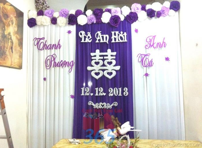 Trang trí phông cưới ăn hỏi màu tím đa sắc mẫu dễ thương với hoa giấy kết nhẹ nPC04 : Mẫu cưới hỏi trọn gói 365 của công ty dịch vụ trang trí nhà tiệc cưới hỏi đẹp rẻ uy tín ở tại quận Tân Phú Sài Gòn TPHCM Gò Vấp