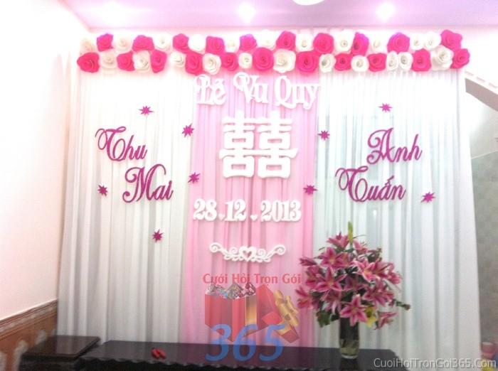 Trang trí phông cưới ăn hỏi trắng hồng mẫu tròn xinh, dễ thương với hoa giấy kếtPC07 : Mẫu cưới hỏi trọn gói 365 của công ty dịch vụ trang trí nhà tiệc cưới hỏi đẹp rẻ uy tín ở tại quận Tân Phú Sài Gòn TPHCM Gò Vấp