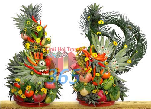 Cặp rồng phụng cưới hỏi kết bằng trái cây tươi ngon, màu sắc sáng đẹp, thần thái sóng động như thật  : Mẫu cưới hỏi trọn gói 365 của công ty dịch vụ trang trí nhà tiệc cưới hỏi đẹp rẻ uy tín ở tại quận Tân Phú Sài Gòn TPHCM Gò Vấp