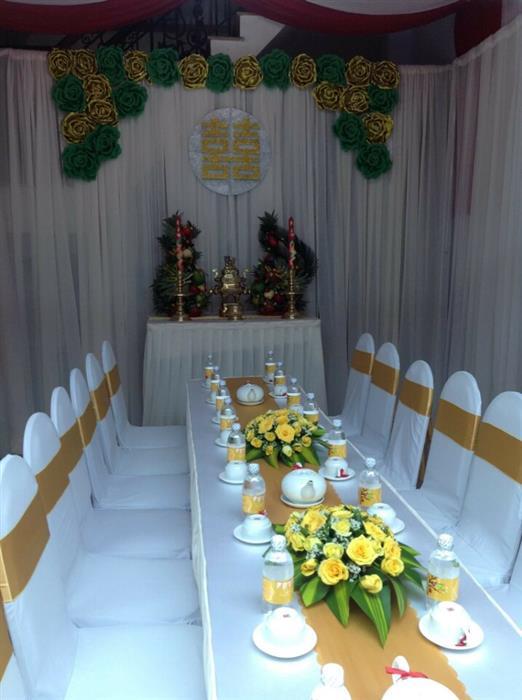 Dịch vụ trang trí nhà đám cưới với phông voan trắng kết hoa giấy : Mẫu cưới hỏi trọn gói 365 của công ty dịch vụ trang trí nhà tiệc cưới hỏi đẹp rẻ uy tín ở tại quận Tân Phú Sài Gòn TPHCM Gò Vấp