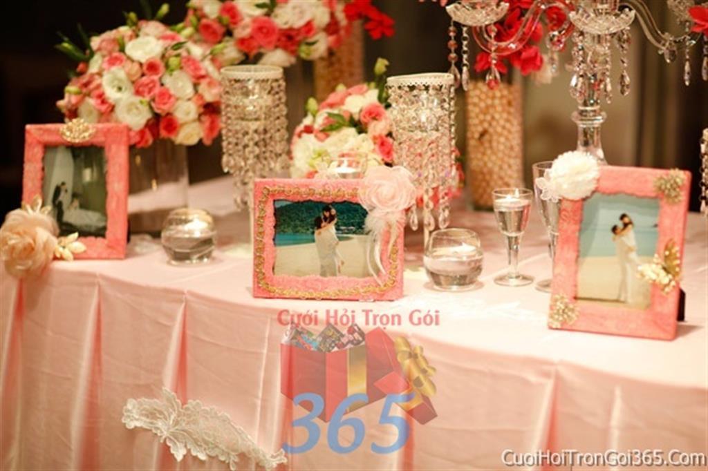 Phụ kiện khung hình cưới trang trí đám cưới, không gian tiệc nhà hàng sang trọng ấn tượng PKC10 : Mẫu cưới hỏi trọn gói 365 của công ty dịch vụ trang trí nhà tiệc cưới hỏi đẹp rẻ uy tín ở tại quận Tân Phú Sài Gòn TPHCM Gò Vấp