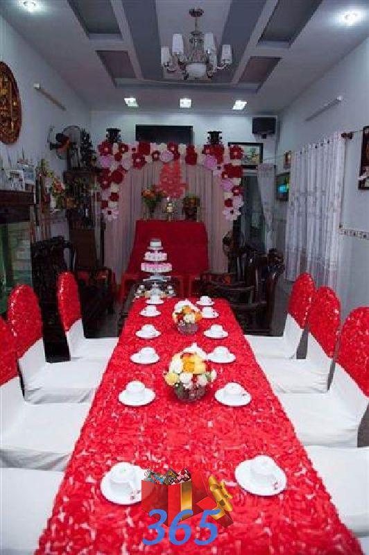 Trang trí nhà cưới hỏi tông màu cho ngày lễ đính hôn, ăn hỏi gia tiên, đám cưới TTNCH05 : Mẫu cưới hỏi trọn gói 365 của công ty dịch vụ trang trí nhà tiệc cưới hỏi đẹp rẻ uy tín ở tại quận Tân Phú Sài Gòn TPHCM Gò Vấp