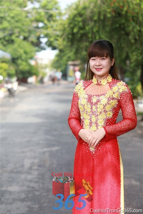 Cho thuê áo dài cưới cô dâu tông màu đỏ đan hạt màu vàng cho đám cưới, ngày lễ đính DP38 : Mẫu cưới hỏi trọn gói 365 của công ty dịch vụ trang trí nhà tiệc cưới hỏi đẹp rẻ uy tín ở tại quận Tân Phú Sài Gòn TPHCM Gò Vấp