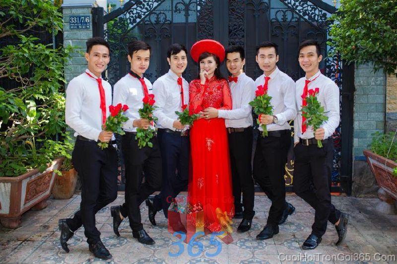 Cho thuê áo dài cưới cô dâu và đồng phục phụ dâu  DP86 : Mẫu cưới hỏi trọn gói 365 của công ty dịch vụ trang trí nhà tiệc cưới hỏi đẹp rẻ uy tín ở tại quận Tân Phú Sài Gòn TPHCM Gò Vấp