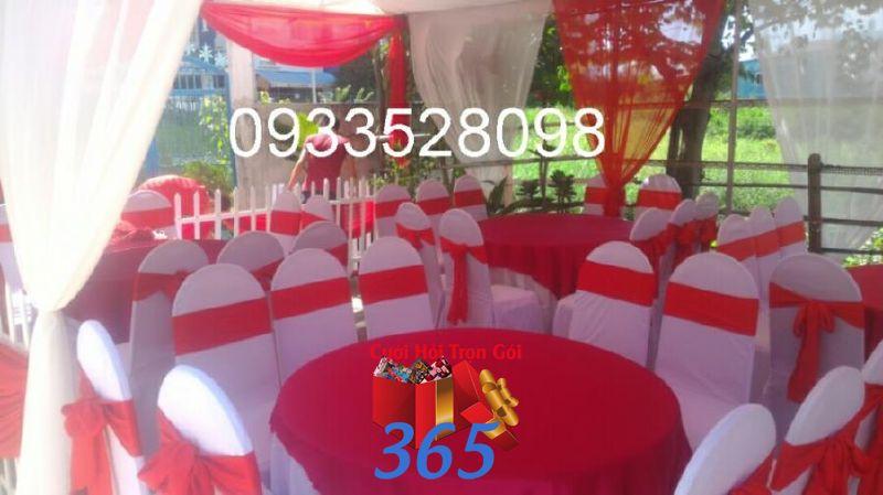 Cho thuê bàn ghế dựa màu đỏ đãi tiệc đám cưới sự kiện BG23 : Mẫu cưới hỏi trọn gói 365 của công ty dịch vụ trang trí nhà tiệc cưới hỏi đẹp rẻ uy tín ở tại quận Tân Phú Sài Gòn TPHCM Gò Vấp