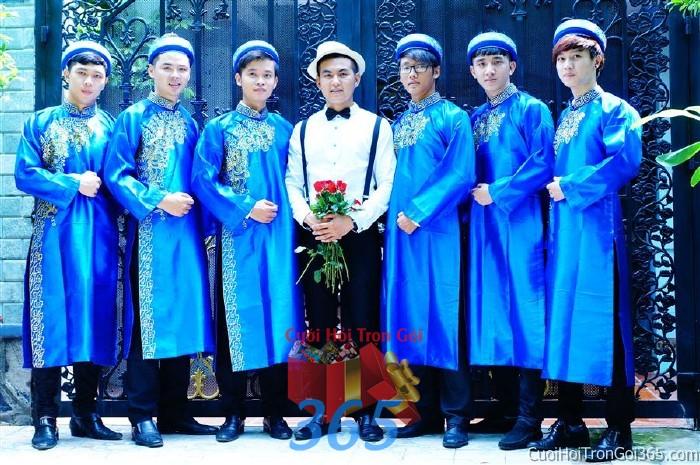Cho thuê đội ngũ nhân sự nam bưng quả với đồng phục áo dài xanh dương cho ngày đám cưới, lễ ăn BQNA20 : Mẫu cưới hỏi trọn gói 365 của công ty dịch vụ trang trí nhà tiệc cưới hỏi đẹp rẻ uy tín ở tại quận Tân Phú Sài Gòn TPHCM Gò Vấp