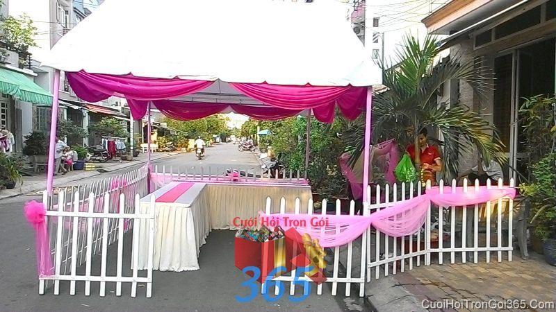 Cho thuê nhà tiệc khung rạp cưới hàng rào đẹp tông hồng làm lễ đãi tiệc ngày đám cưới RC22 : Mẫu cưới hỏi trọn gói 365 của công ty dịch vụ trang trí nhà tiệc cưới hỏi đẹp rẻ uy tín ở tại quận Tân Phú Sài Gòn TPHCM Gò Vấp