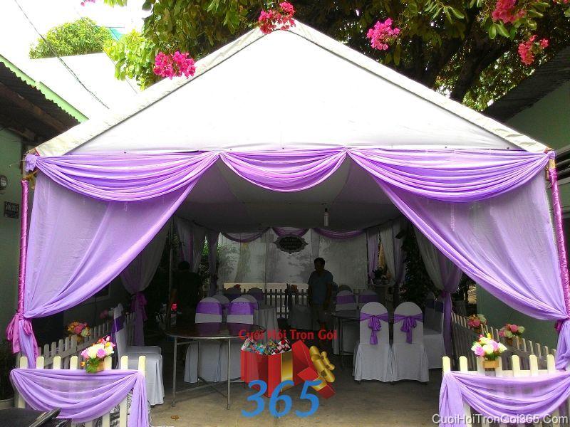 Cho thuê nhà tiệc khung rạp cưới tông tím ngọt ngào với hàng rào, voan và hoa vải cho ngày đám cưới RC24 : Mẫu cưới hỏi trọn gói 365 của công ty dịch vụ trang trí nhà tiệc cưới hỏi đẹp rẻ uy tín ở tại quận Tân Phú Sài Gòn TPHCM Gò Vấp
