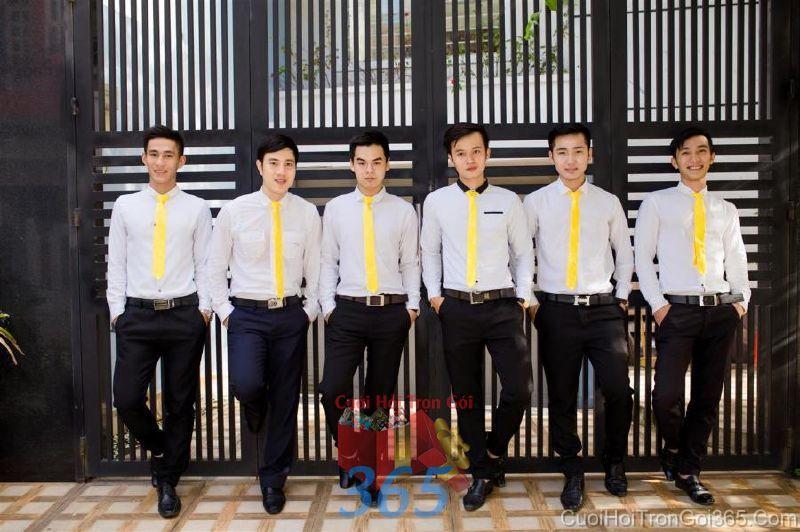 Cho thuê nhân sự bưng mâm quả nam với trang phục sơ mi quần tây và cà vạt BQNA47 : Mẫu cưới hỏi trọn gói 365 của công ty dịch vụ trang trí nhà tiệc cưới hỏi đẹp rẻ uy tín ở tại quận Tân Phú Sài Gòn TPHCM Gò Vấp