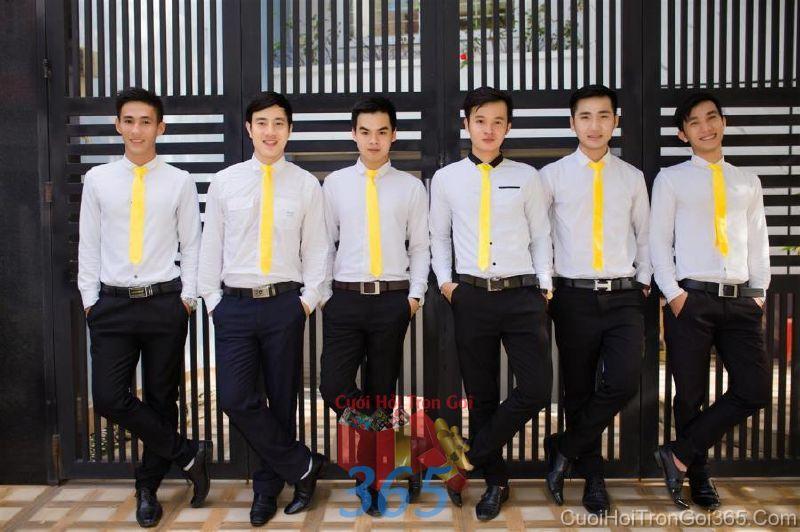 Cho thuê nhân sự bưng mâm quả nam với trang phục sơ mi quần tây và cà vạt BQNA48 : Mẫu cưới hỏi trọn gói 365 của công ty dịch vụ trang trí nhà tiệc cưới hỏi đẹp rẻ uy tín ở tại quận Tân Phú Sài Gòn TPHCM Gò Vấp