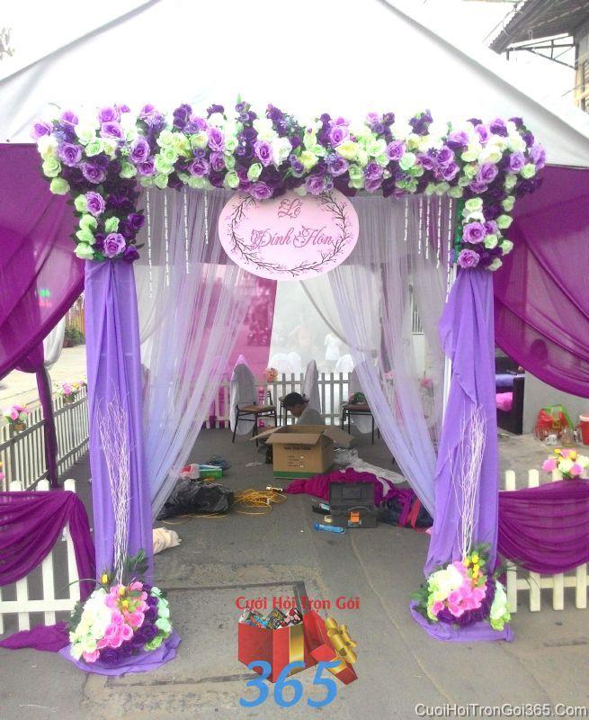 Cổng cưới hoa tươi tông tím lãng mạn với hoa đẹp xinh cho thuê ngày lễ thành CHT47 : Mẫu cưới hỏi trọn gói 365 của công ty dịch vụ trang trí nhà tiệc cưới hỏi đẹp rẻ uy tín ở tại quận Tân Phú Sài Gòn TPHCM Gò Vấp