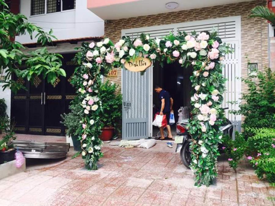 Cổng cưới hoa  CHT54 : Mẫu cưới hỏi trọn gói 365 của công ty dịch vụ trang trí nhà tiệc cưới hỏi đẹp rẻ uy tín ở tại quận Tân Phú Sài Gòn TPHCM Gò Vấp