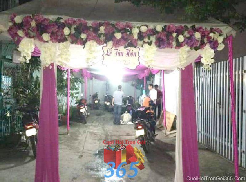 Cổng cưới hoa vải giả tông tím cho thuê ngày lễ tân hôn, đám cưới CHV20 : Mẫu cưới hỏi trọn gói 365 của công ty dịch vụ trang trí nhà tiệc cưới hỏi đẹp rẻ uy tín ở tại quận Tân Phú Sài Gòn TPHCM Gò Vấp