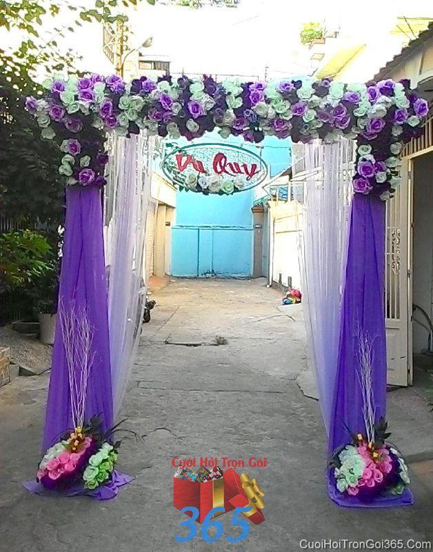 Cổng cưới hoa vải giả tông tím lãng mạn hình chữ nhật đứng cho thuê ngày đám cưới CHV22 : Mẫu cưới hỏi trọn gói 365 của công ty dịch vụ trang trí nhà tiệc cưới hỏi đẹp rẻ uy tín ở tại quận Tân Phú Sài Gòn TPHCM Gò Vấp