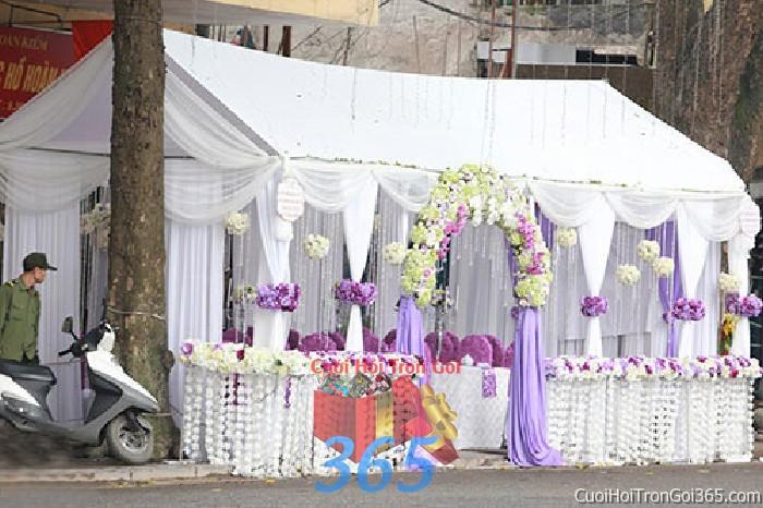 Cung cấp cho thuê rạp cưới tông trắng tím pha lê hàng rào với vải voan cao cấp hiện đại cho ngày đám cưới, lễ ăn RC17 : Mẫu cưới hỏi trọn gói 365 của công ty dịch vụ trang trí nhà tiệc cưới hỏi đẹp rẻ uy tín ở tại quận Tân Phú Sài Gòn TPHCM Gò Vấp