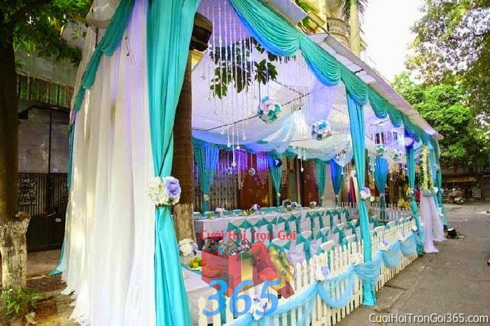 Cung cấp cho thuê rạp cưới xanh ngọc pha lê hàng rào với vải voan cao cấp hiện đại cho ngày đám cưới, lễ ăn hỏi, đính RC19 : Mẫu cưới hỏi trọn gói 365 của công ty dịch vụ trang trí nhà tiệc cưới hỏi đẹp rẻ uy tín ở tại quận Tân Phú Sài Gòn TPHCM Gò Vấp