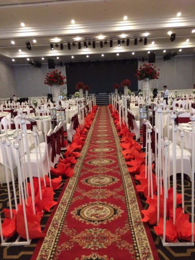 Lối đi sân khấu nhà  LDNH41 : Mẫu cưới hỏi trọn gói 365 của công ty dịch vụ trang trí nhà tiệc cưới hỏi đẹp rẻ uy tín ở tại quận Tân Phú Sài Gòn TPHCM Gò Vấp