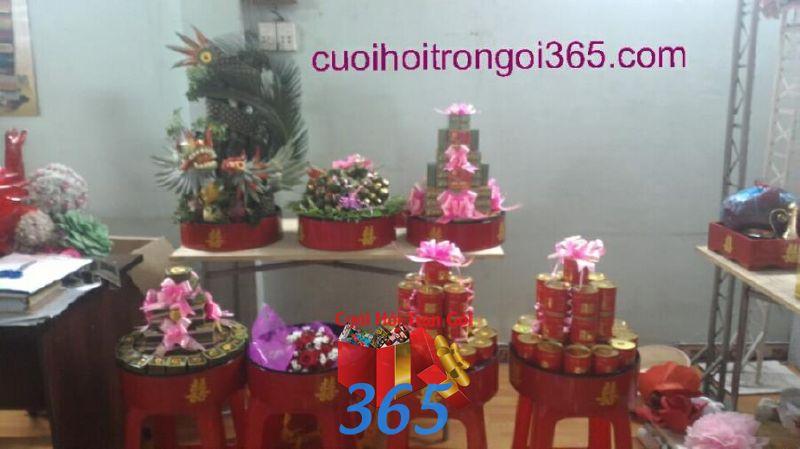 Mâm quả trọn gói trang trí nhà ngày đám cưới MQ50 : Mẫu cưới hỏi trọn gói 365 của công ty dịch vụ trang trí nhà tiệc cưới hỏi đẹp rẻ uy tín ở tại quận Tân Phú Sài Gòn TPHCM Gò Vấp