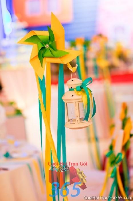 Phụ kiện chai lọ màu sắc tươi tắn dùng để trang trí bàn ký tên, không gian tiệc sang trọng ngày đám cưới tại nhà  PKC77 : Mẫu cưới hỏi trọn gói 365 của công ty dịch vụ trang trí nhà tiệc cưới hỏi đẹp rẻ uy tín ở tại quận Tân Phú Sài Gòn TPHCM Gò Vấp