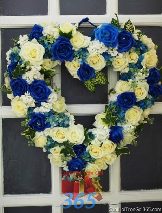 Trang trí chi tiết cửa nhà cưới với vòng hoa trái tim trắng xanh trong ngày lễ đính hôn, ăn hỏi gia  CTN21 : Mẫu cưới hỏi trọn gói 365 của công ty dịch vụ trang trí nhà tiệc cưới hỏi đẹp rẻ uy tín ở tại quận Tân Phú Sài Gòn TPHCM Gò Vấp