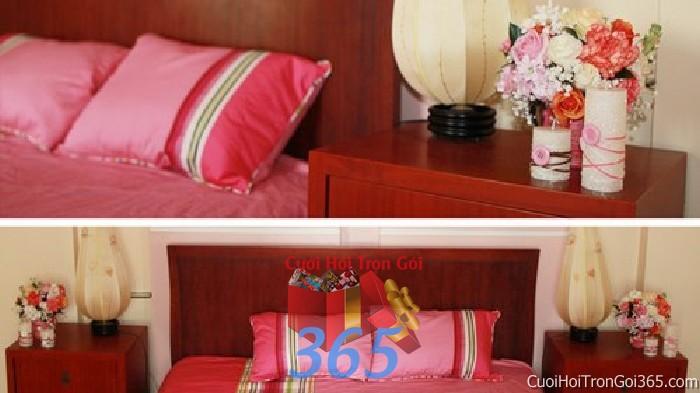 Trang trí chi tiết phòng tân hôn nhà cưới với hoa và nến tông hồng lãng mạn trong ngày lễ đính hôn, ăn hỏi gia  CTN22 : Mẫu cưới hỏi trọn gói 365 của công ty dịch vụ trang trí nhà tiệc cưới hỏi đẹp rẻ uy tín ở tại quận Tân Phú Sài Gòn TPHCM Gò Vấp