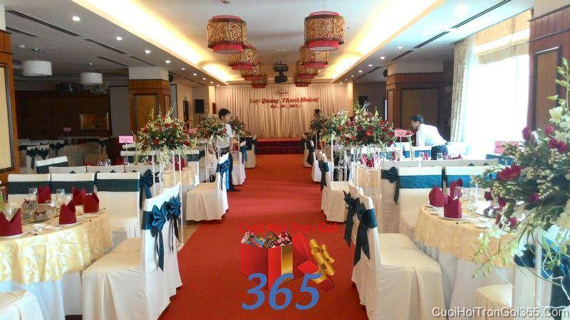 Trang trí lối đi sân khấu nhà hàng tiệc cưới tôn LDNH36 : Mẫu cưới hỏi trọn gói 365 của công ty dịch vụ trang trí nhà tiệc cưới hỏi đẹp rẻ uy tín ở tại quận Tân Phú Sài Gòn TPHCM Gò Vấp