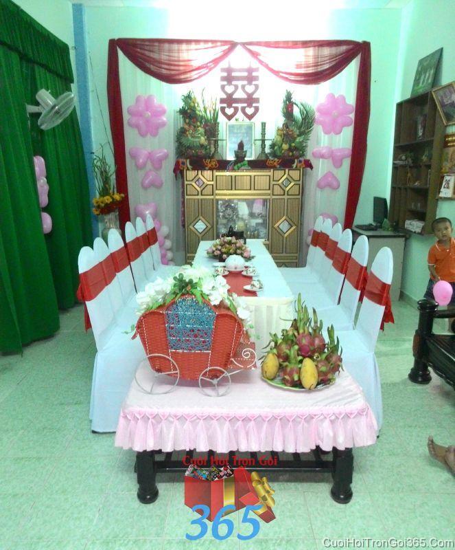 Trang trí nhà cưới hỏi tông màu đỏ với bàn thờ rồng phụng và bong bóng ngày đám cưới TTNCH86 : Mẫu cưới hỏi trọn gói 365 của công ty dịch vụ trang trí nhà tiệc cưới hỏi đẹp rẻ uy tín ở tại quận Tân Phú Sài Gòn TPHCM Gò Vấp