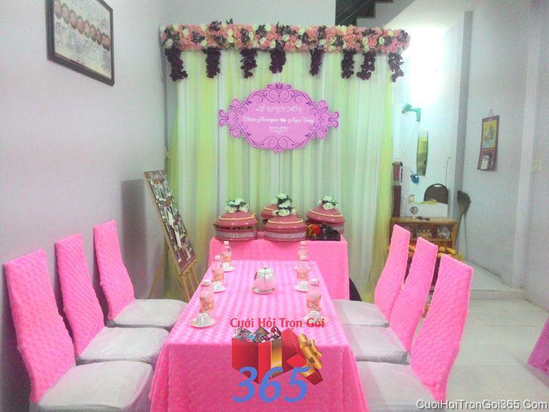 Trang trí nhà cưới hỏi tông màu hồng ngọt ngào với vải nhung cho ngày đám cưới TTNCH74 : Mẫu cưới hỏi trọn gói 365 của công ty dịch vụ trang trí nhà tiệc cưới hỏi đẹp rẻ uy tín ở tại quận Tân Phú Sài Gòn TPHCM Gò Vấp