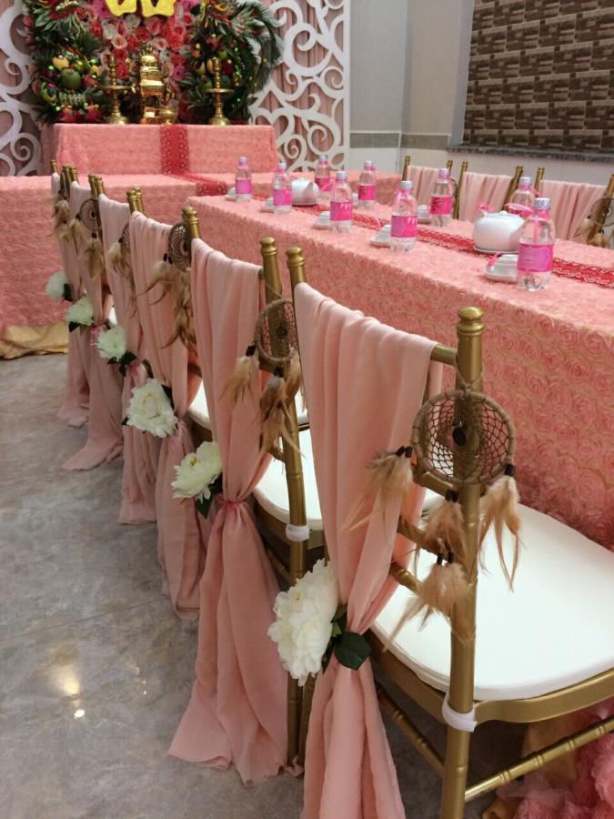 Trang trí nhà cưới trọn gói gam hồng pastel kết hợp cặp rồng phụng trái cây trên bàn gia tiên thêm ý nghĩa TTNCH142 : Mẫu cưới hỏi trọn gói 365 của công ty dịch vụ trang trí nhà tiệc cưới hỏi đẹp rẻ uy tín ở tại quận Tân Phú Sài Gòn TPHCM Gò Vấp
