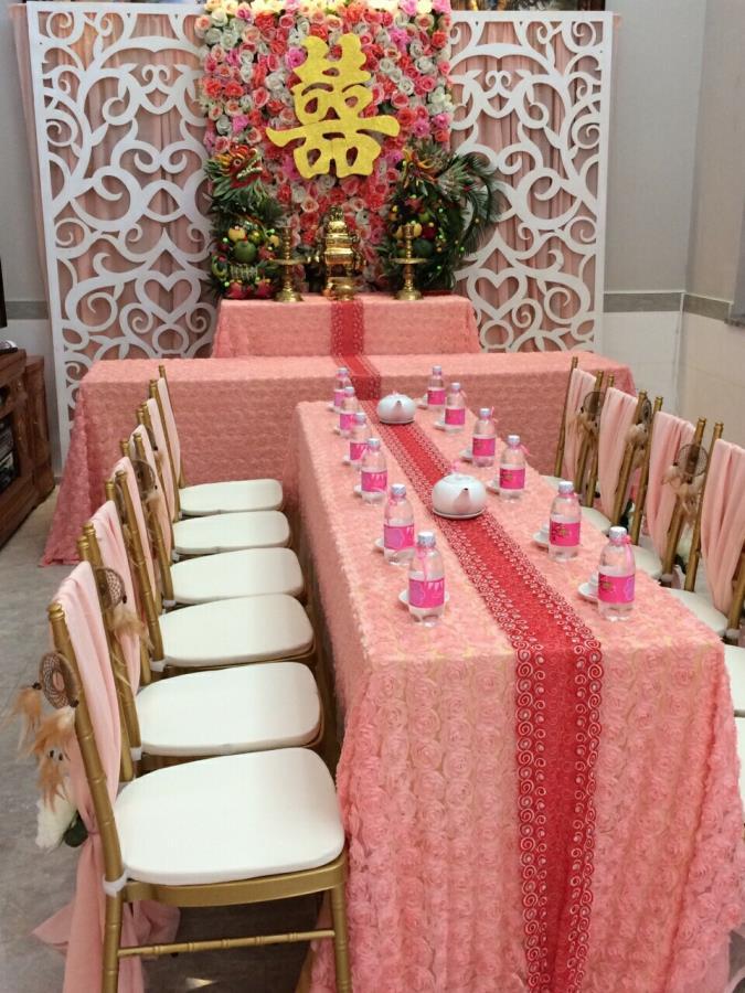 Trang trí nhà cưới trọn gói gam hồng pastel kết hợp cặp rồng phụng trái cây trên bàn gia tiên thêm ý nghĩa TTNCH143 : Mẫu cưới hỏi trọn gói 365 của công ty dịch vụ trang trí nhà tiệc cưới hỏi đẹp rẻ uy tín ở tại quận Tân Phú Sài Gòn TPHCM Gò Vấp