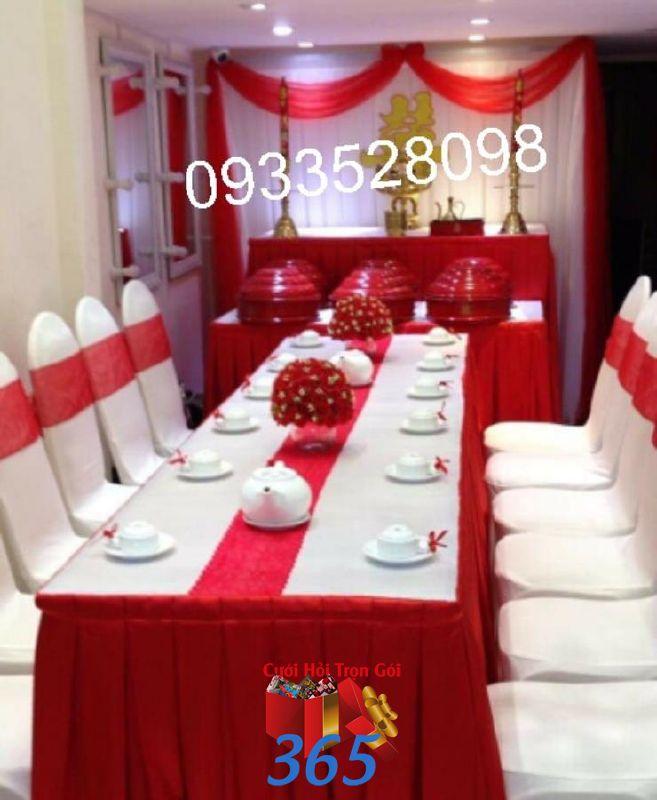 Trang trí nhà đám cưới màu đỏ với mâm quả sơn TTNCH107 : Mẫu cưới hỏi trọn gói 365 của công ty dịch vụ trang trí nhà tiệc cưới hỏi đẹp rẻ uy tín ở tại quận Tân Phú Sài Gòn TPHCM Gò Vấp