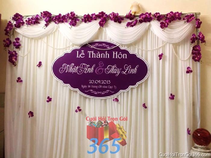Trang trí phông cưới ăn hỏi tông tím mẫu lãng mạn với voan và hoa phong lan trang trí đẹp lễ thành PC29 : Mẫu cưới hỏi trọn gói 365 của công ty dịch vụ trang trí nhà tiệc cưới hỏi đẹp rẻ uy tín ở tại quận Tân Phú Sài Gòn TPHCM Gò Vấp