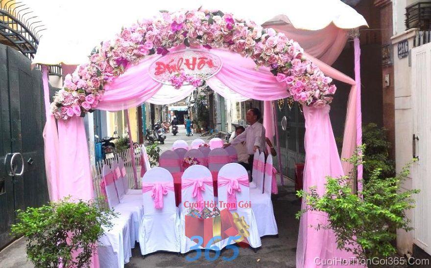 Cho thuê rạp cưới mẫu voan, hàng rào tông hồng nhạt dễ th RC25 : Mẫu cưới hỏi trọn gói 365 của công ty dịch vụ trang trí nhà tiệc cưới hỏi đẹp rẻ uy tín ở tại quận Tân Phú Sài Gòn TPHCM Gò Vấp