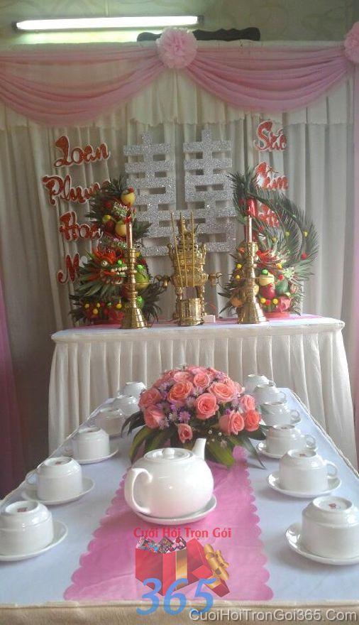 Trang trí nhà ngày đám cưới hỏi tông hồng phấn với hoa tươi để bàn màu  TTNCH88 : Mẫu cưới hỏi trọn gói 365 của công ty dịch vụ trang trí nhà tiệc cưới hỏi đẹp rẻ uy tín ở tại quận Tân Phú Sài Gòn TPHCM Gò Vấp