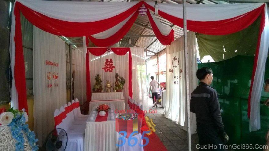 Trang trí nhà ngày đám cưới hỏi tông trắn TTNCH102 : Mẫu cưới hỏi trọn gói 365 của công ty dịch vụ trang trí nhà tiệc cưới hỏi đẹp rẻ uy tín ở tại quận Tân Phú Sài Gòn TPHCM Gò Vấp