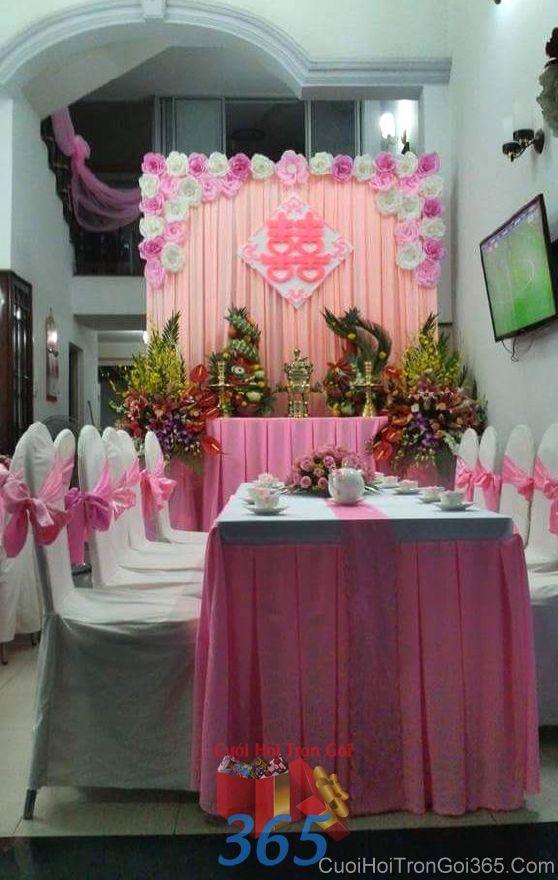 Trang trí nhà ngày đám cưới hỏi với voan và hoa giấy tông hồng  TTNCH104 : Mẫu cưới hỏi trọn gói 365 của công ty dịch vụ trang trí nhà tiệc cưới hỏi đẹp rẻ uy tín ở tại quận Tân Phú Sài Gòn TPHCM Gò Vấp