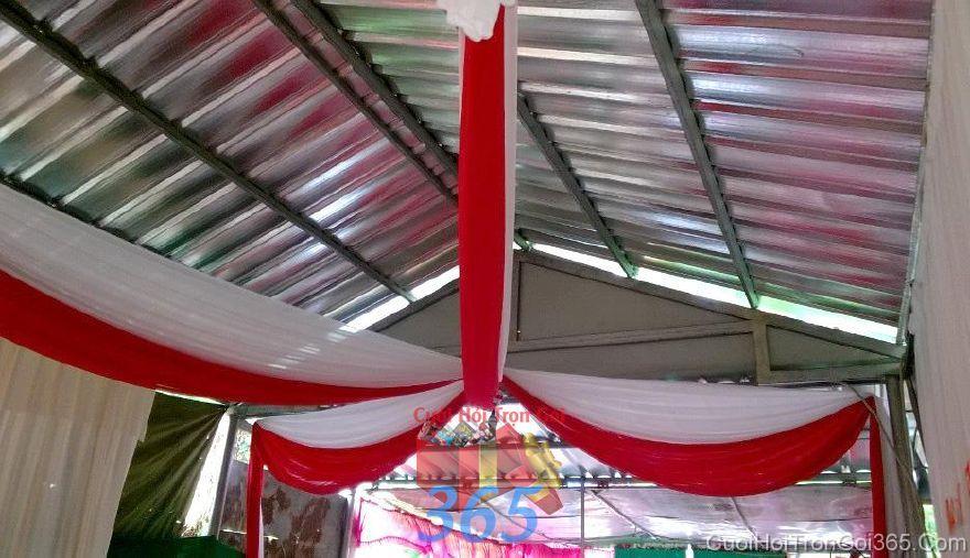 Trang trí trần nhà đám cưới tông đỏ bằng voan mềm CTN29 : Mẫu cưới hỏi trọn gói 365 của công ty dịch vụ trang trí nhà tiệc cưới hỏi đẹp rẻ uy tín ở tại quận Tân Phú Sài Gòn TPHCM Gò Vấp