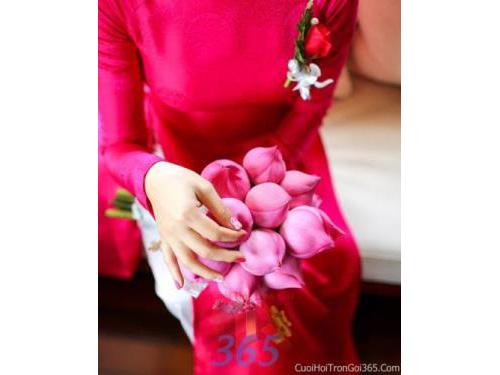 Hoa cầm tay cô dâu tông hồng sen kết đẹp, dễ thương cho ngày lễ ăn hỏi, tiệc đám cưới HC10 : Mẫu cưới hỏi trọn gói 365 của công ty dịch vụ trang trí nhà tiệc cưới hỏi đẹp rẻ uy tín ở tại quận Tân Phú Sài Gòn TPHCM Gò Vấp