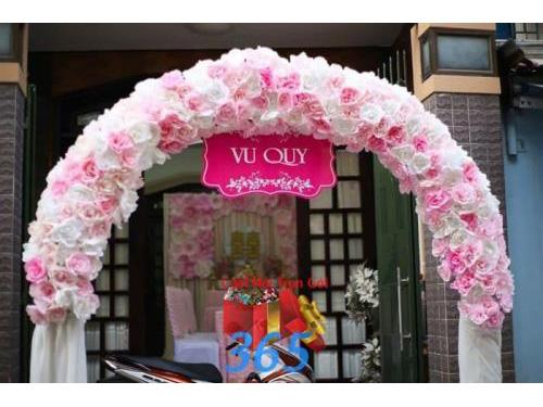 Cho thuê cổng cưới hoa giấy tông hồng : Mẫu cưới hỏi trọn gói 365 của công ty dịch vụ trang trí nhà tiệc cưới hỏi đẹp rẻ uy tín ở tại quận Tân Phú Sài Gòn TPHCM Gò Vấp
