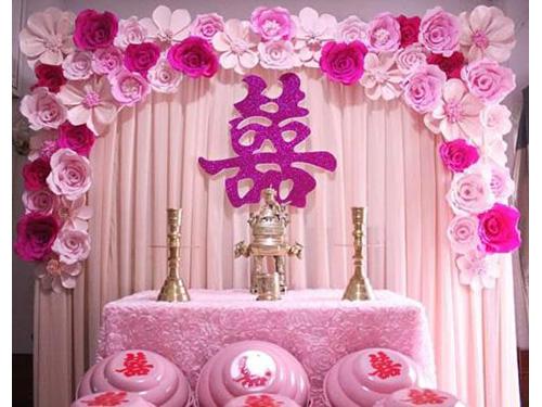 Trang trí bàn thờ gia tiên ngày cưới với hoa giấy tông tím hồng BT40 : Mẫu cưới hỏi trọn gói 365 của công ty dịch vụ trang trí nhà tiệc cưới hỏi đẹp rẻ uy tín ở tại quận Tân Phú Sài Gòn TPHCM Gò Vấp